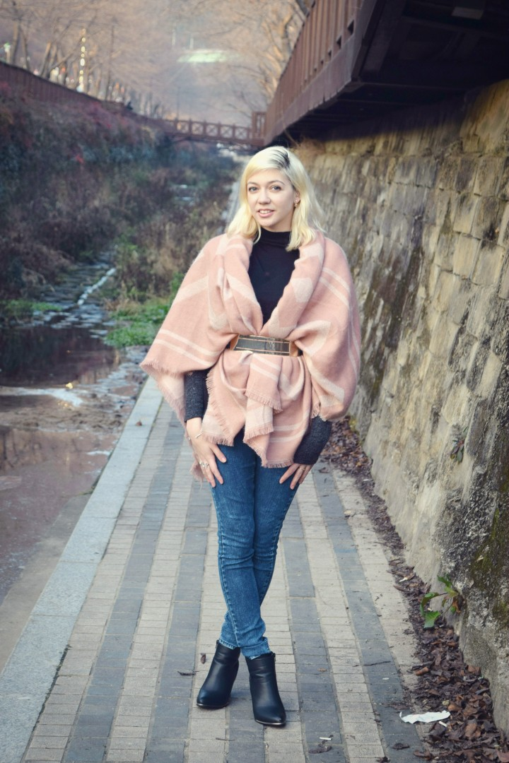 look pink shawl 008