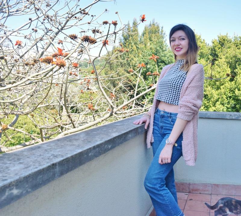crop top with high waist denim jeans 002