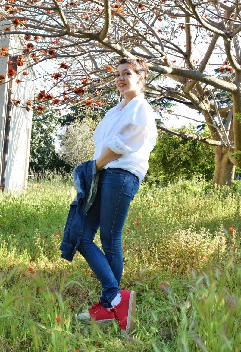 Ruffles shirt + red shoes 107