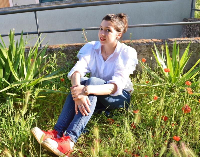 Ruffles shirt + red shoes 113
