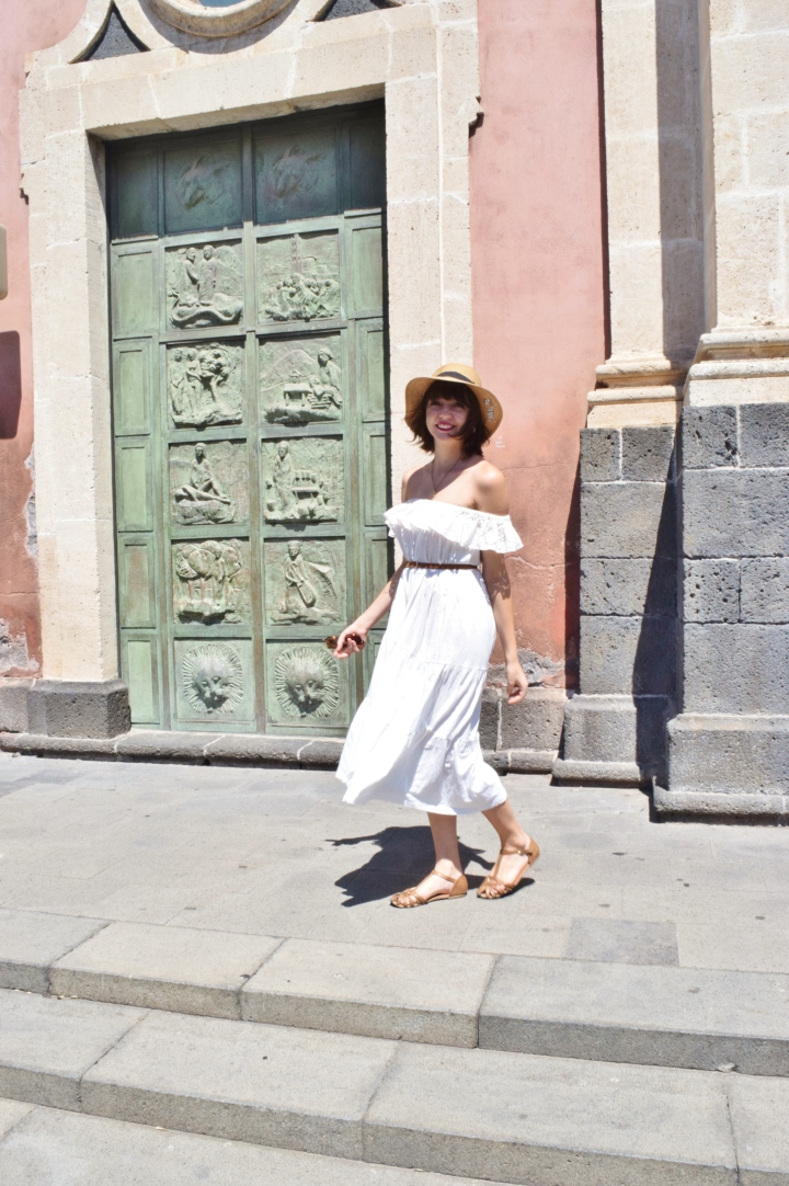 White dress 017