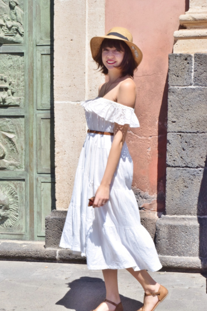 White dress 019