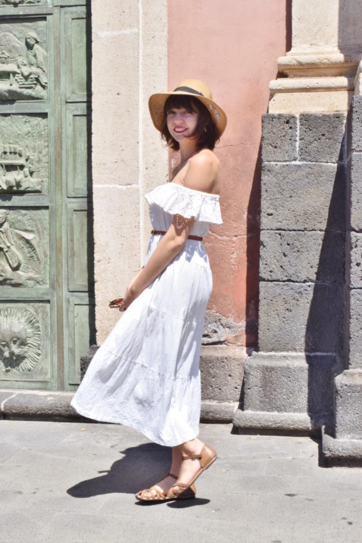 White dress 020