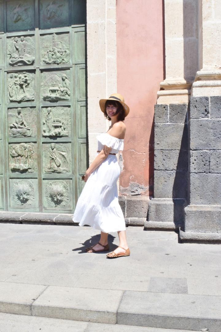 White dress 021